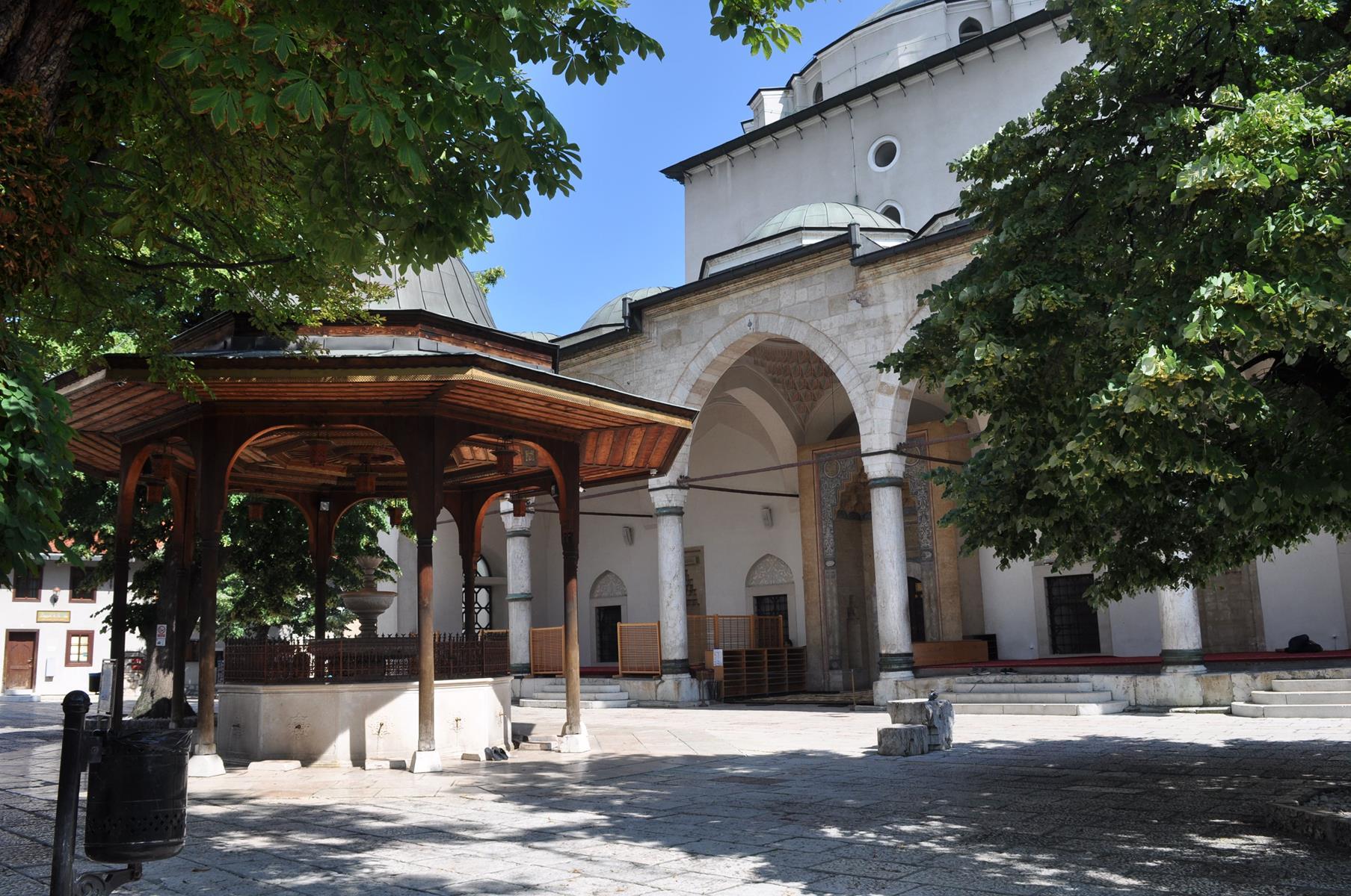 gazi husrev bey mosque, mosque, bosnia and herzegovina, sarajevo, tours in sarajevo, tours in balkan, travel